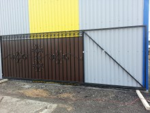 Ворота откатные  4х1,9м