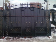 Ворота с калиткой  3,3х2,35+1м без столбов №-16