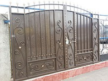 """Ворота  """"Дворянские со встроенной калиткой"""" 3,3 х 2,35 м"""